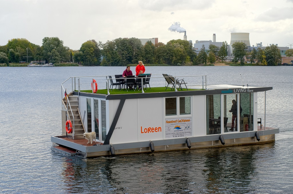 "Hausboot ""Loreen"""