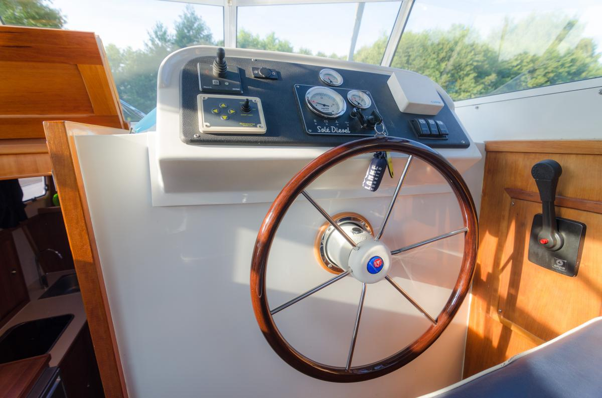 Lanke Charter/Passion-Yachten/Passion 880/Steuerstand